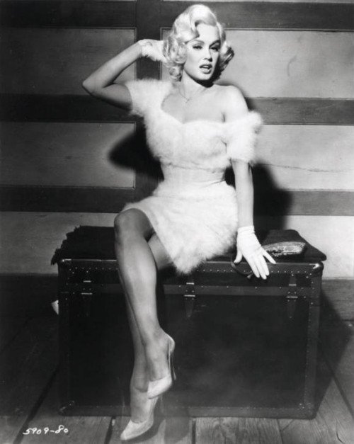 I do like this one of Mamie….Love the fuzzy dress :D