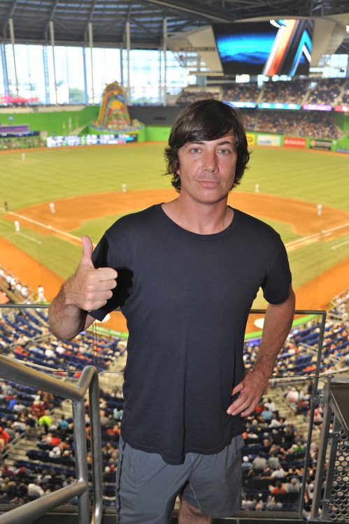 Matt Flynn of Maroon 5 checks out Marlins Park! #baseballmiamistyle