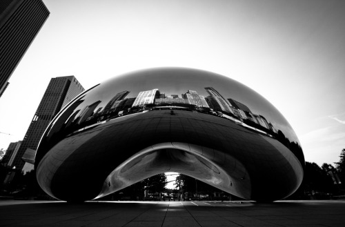 Cloud Gate at Millennium Park in Chicago. Just got back from this place. The city is an absolute urban beauty.