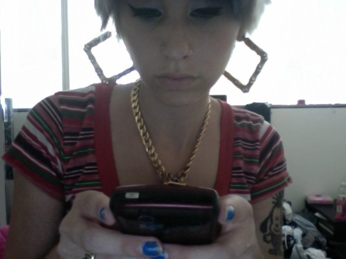 bffproductions:  we are so ALIKE kreayshawn:  This is me 2 years ago on this date.   That is really strange