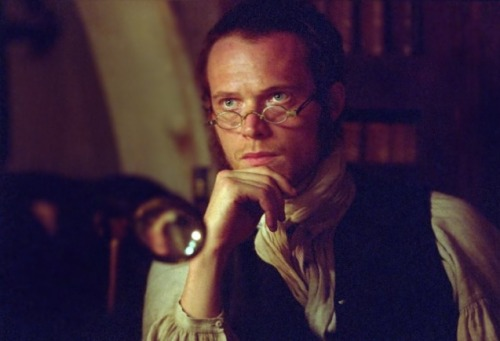 27/30 photos of Gorgeous People in Period Clothes - Paul Bettany (Master and Commander: The Far Side of the World)