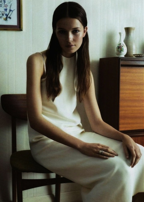 moldavia:  Hanna Sørheim in A Perfect Guide F/W 2011 by Ben Weller