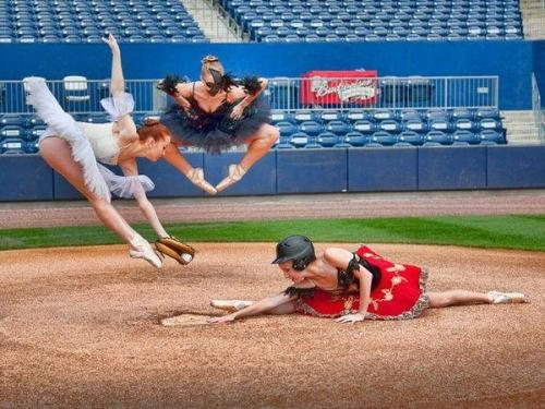 Hilarious, artistic, and impressive. This is why ballet is amazing :)