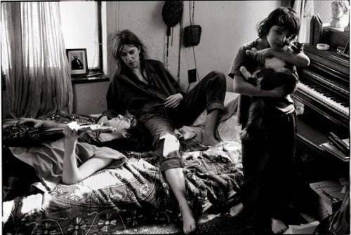 bluex2:  Patti Smith with her Children, Jackson and Jesse, St. Clair Shores, Michigan 1996…Cool family pic…!