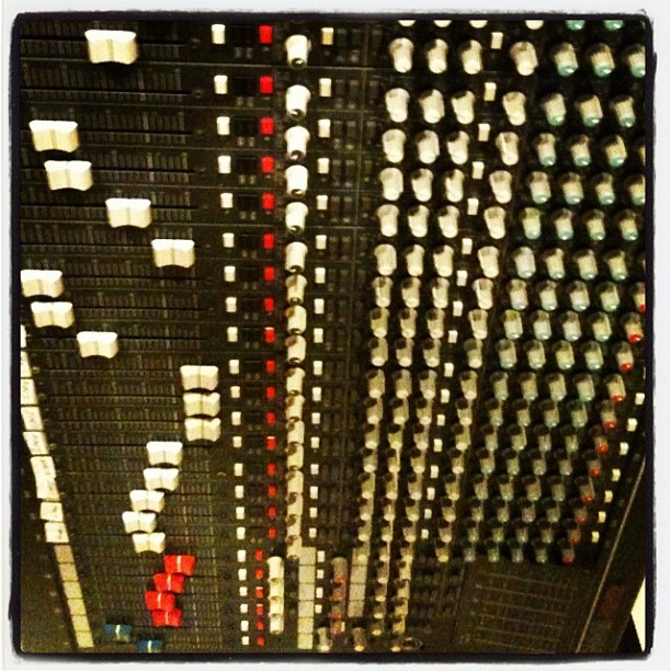 A sea of EQ. (Taken with Instagram at mi casa)