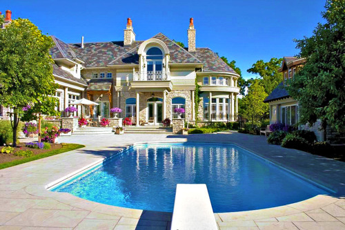 beautifulmansions:  follow this blog and ill follow back :)