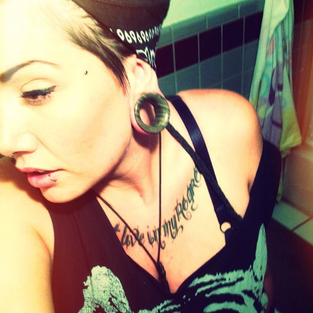 beautifully-modified-grrrls:  Kelly.1 1/2 Agate stone eyelets.septum.Double nostril.anchors on both temples. Lip.