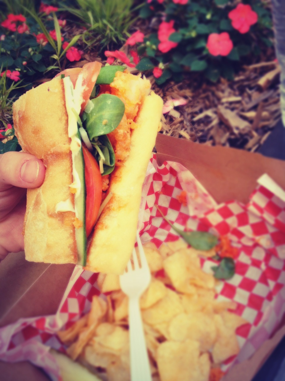 ezsfood:  A prawn sandwich from a food truck in Minneapolis. Amazing.   Smack Shack strikes again!
