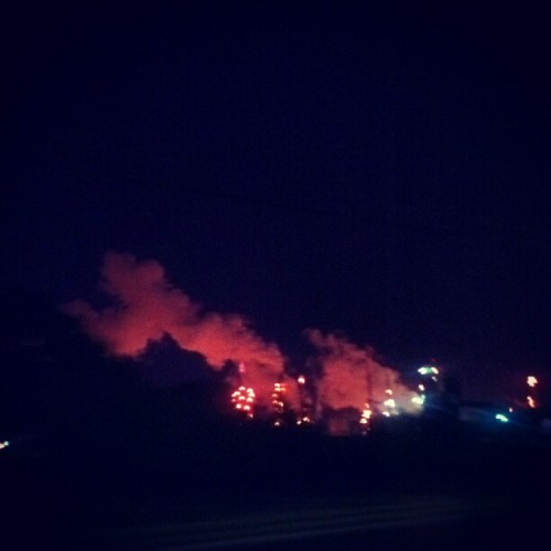 #smoke #factory #ohio #night #driving  (Taken with Instagram)