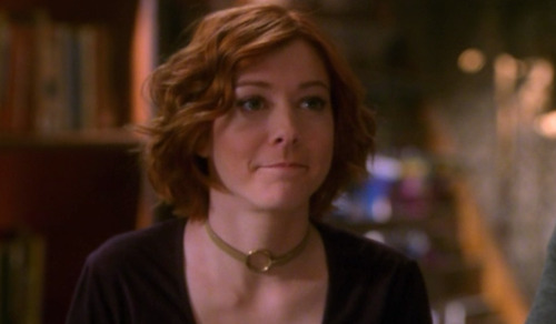 buffyoutfits:  Anya did her hair.  just had an uncomfortable realization about the source of my hair ideals