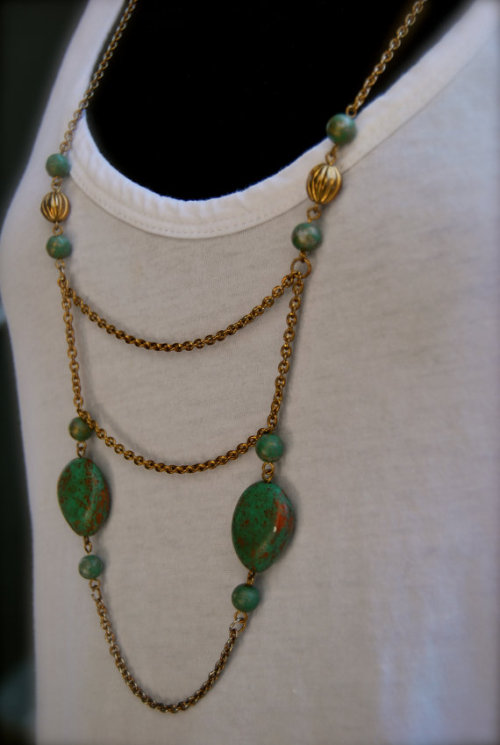 Vintage Droopy Necklace by cleng23. $18 Protip: Check out the back of this one!