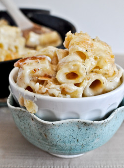 gastrogoodies:  Four Cheese Baked Skillet Rigatoni