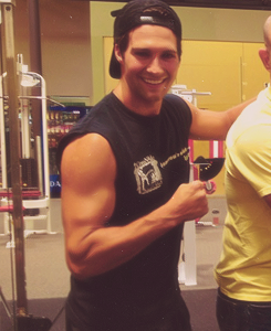 chomperarmy:  oh james, we all know you have muscles! :D  And they are JAMAZING!