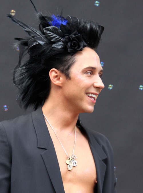 moo58:  Happy 28th Birthday ♫ Johnny Weir!!