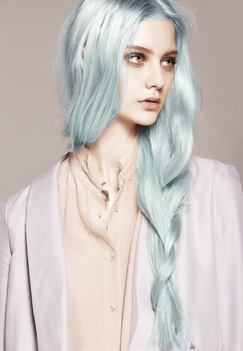 Trend: colorful hair.