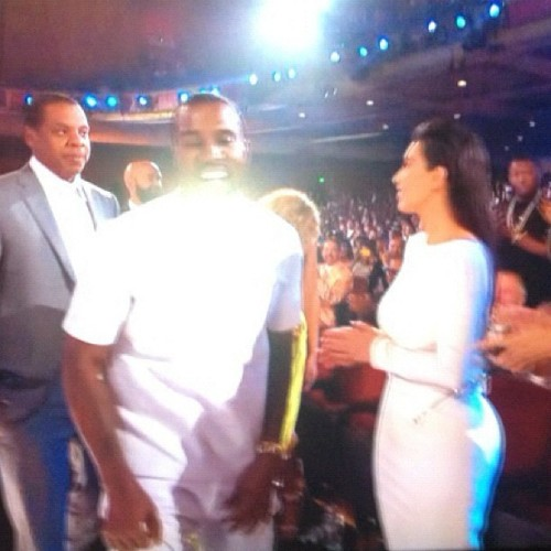 iamretrokid:  jankyass:  Jay Z is not having it with Kim this evening.  lmafoooo his faceeeee!