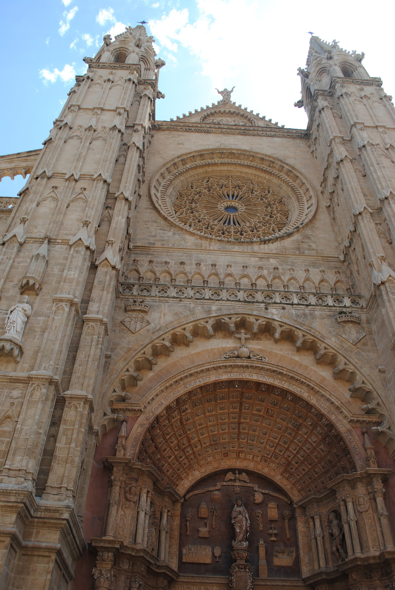 Location: Palma Cathedral, Mallorca Date: August 2010 Camera: Nikon D3000