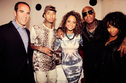 With the Fam YMCMB Pre Bet Awards @tyga @birdman5star @shanell_snl