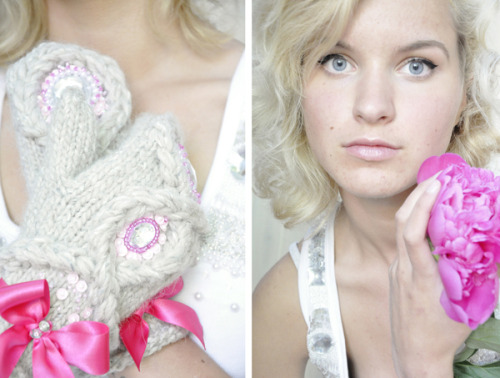 Peony mittens with braids and pearls.