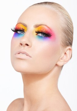 createthislookforless:  Use BH Cosmetics eyeshadows to get this look! Buy here! soshallo:  rainbow eyeshadow
