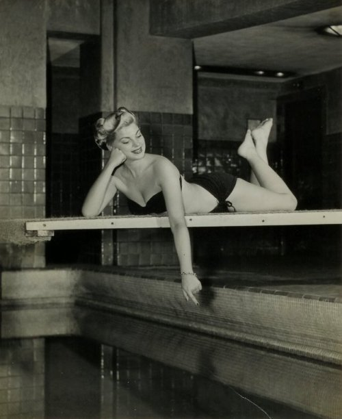 theniftyfifties:  Barbara Nichols
