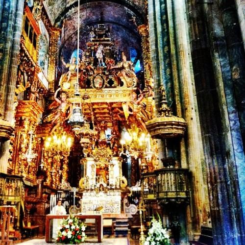 Main altar #camino #spain #churches #cathedral #mass #santiago  (Taken with Instagram)