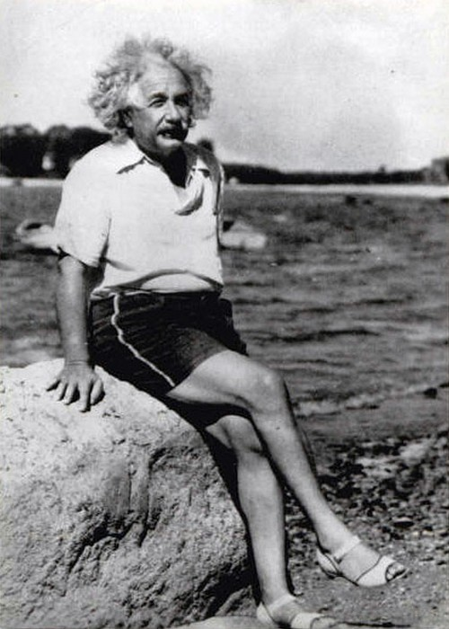 Einstein on the Beach, 1939  (Csinos kis szandál)