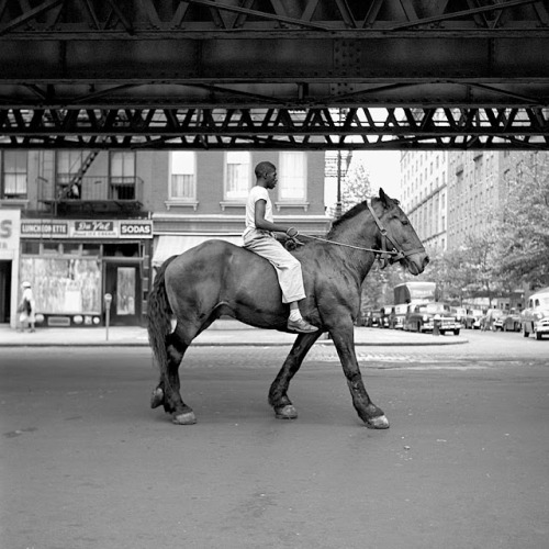 (via Simply B: Vivian Maier - A Life Uncovered)