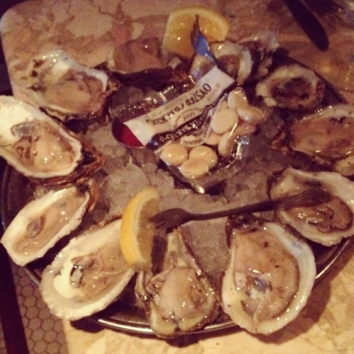 "Best NYC Oyster Special Although oysters are typically only meant for months with ""R"", I love them so much that I forgo the rules and enjoy them year round. The best New York oyster deal?  Easy - Fish. $8 buys you 1/2 dozen oysters + a glass of wine or PBR. Anytime. Any day. A glass of wine or PBR at Fish would already cost $6 or $7, so the 1/2 dozen oysters are essentially an added bonus.  This past weekend I went through 25 myself without blinking an eye. The oysters themselves are fairly large and tasty.  They're certainly not the best oysters, but they are above average and the price can't be beat."