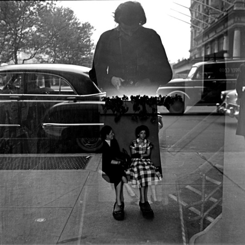 The artist and her trusty Rolleiflex (via Vivian Maier and All Those Other Undiscovered Photographers | LPV Magazine)