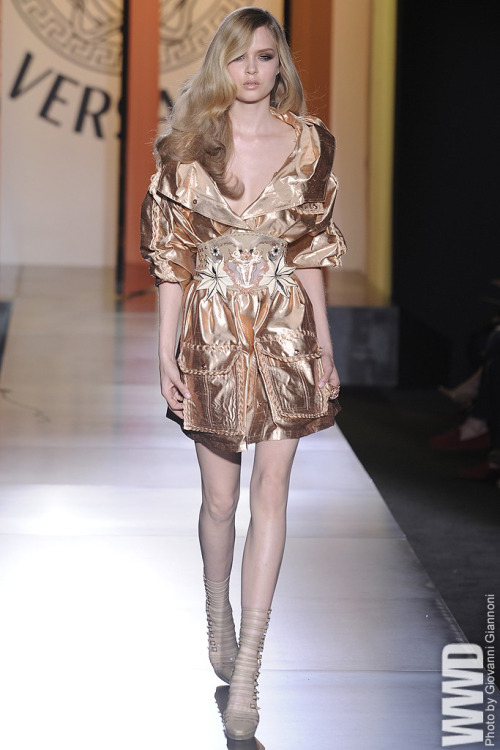 womensweardaily:  Versace Fall Couture 2012