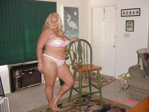 bigbigbigmamas:  Fat Plump Thick Chubby Amateurs Just The Way You Like Them…  www.bigbigbigmamas.com