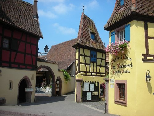 (via Wine treasures, a photo from Alsace, East | TrekEarth) eguisheim, alsace, france