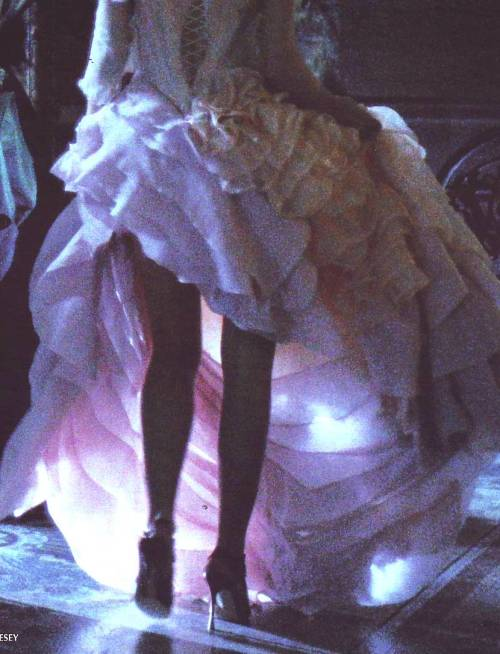 somethingvain:  christian dior haute couture s/s 2003, vogue russia april 2003