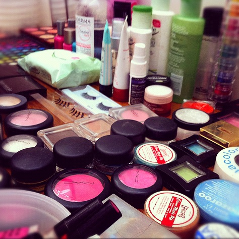 karlapowellmua:  How beautiful & colourful does my makeup kit look here on set for MindGame Magazines creative beauty shoot yesterday?!   This shoot will be well worth the wait for you all to see the images of the look I created in MindGames first edition in August!  Karla X