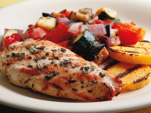 ivillagefoodies:  Grilled Chicken RatatouilleTraditional ratatouille ingredients — bell pepper, eggplant, zucchini, tomato — get extra sweet and smoky when you throw them on the grill. Serve with grilled chicken breasts, pasta or as a side dish. Get the recipe!