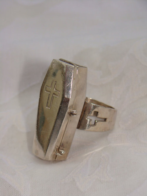 gothetsyfinds:  Sterling Silver Marché Noir Coffin Cross Poison Ring $65 http://www.etsy.com/shop/epicoddities