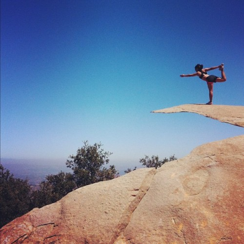 "#Yoga and #meditation at ""The Chip"" at #MountWoodson! #hiking #instagram #me (Taken with Instagram at Potato Chip Rock)"