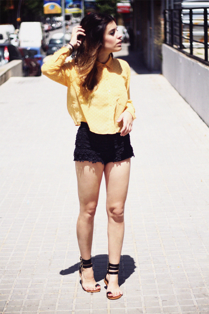 what-do-i-wear:  Blouse: Forever21 / Shorts: Zara / Sandals: Pertini by Bartabac / Watch: Viceroy / Bracalet cross: Lovelix (image: dulceida)