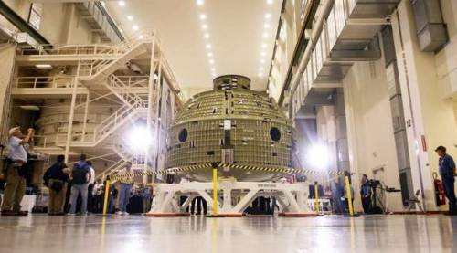 NASA unveils Orion spacecraft Florida Today: NASA and Lockheed Martin unveiled the 1st space-bound Orion spacecraft today as some 450 people gathered at Kennedy Space Center to mark its arrival. It will be the 1st time a spacecraft for human spaceflight has been produced at the center. The production line work will be done by a crew that will total about 400, offsetting some of the job losses caused by the 2011 shutdown of the shuttle program. Photo credit: Tim Shortt / Florida Today