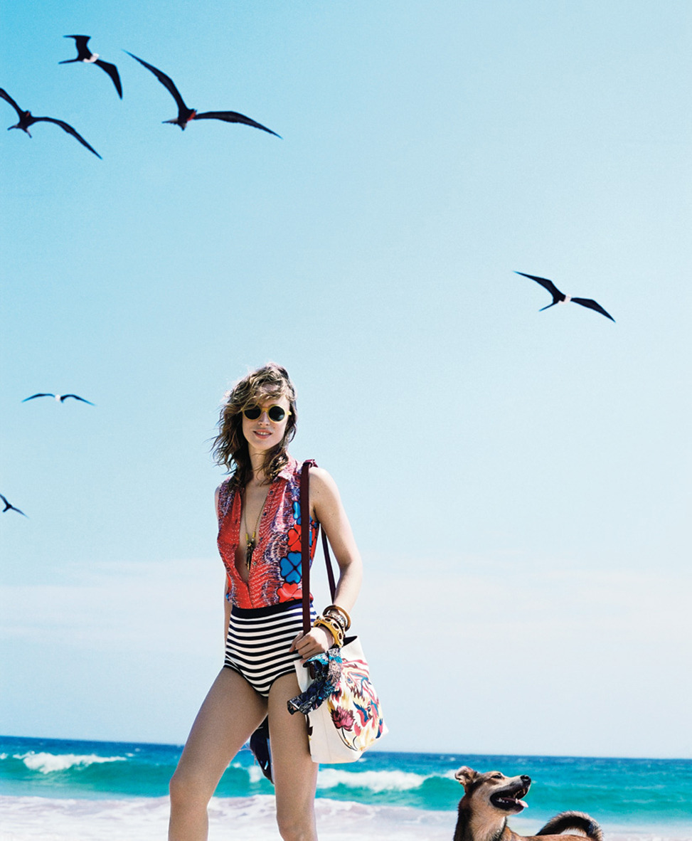 skinnyfat:  tmagazine:  Raquel Zimmermann on the beach in Brazil.  Everything about this now please.