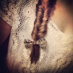 elizagolddust:  🎀#Bow #fishtail (Taken with Instagram)