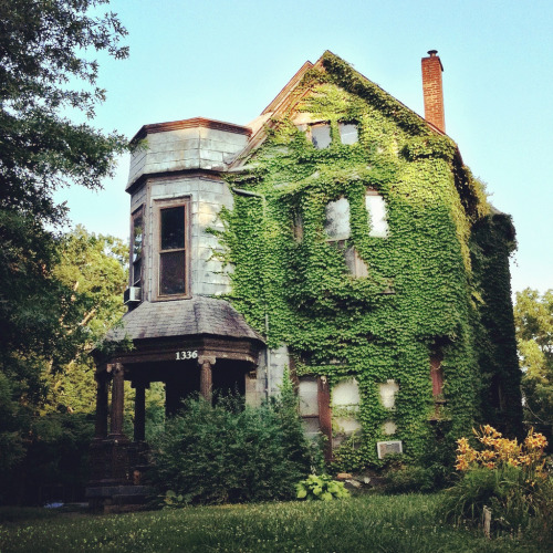 Awesome old abandoned house!