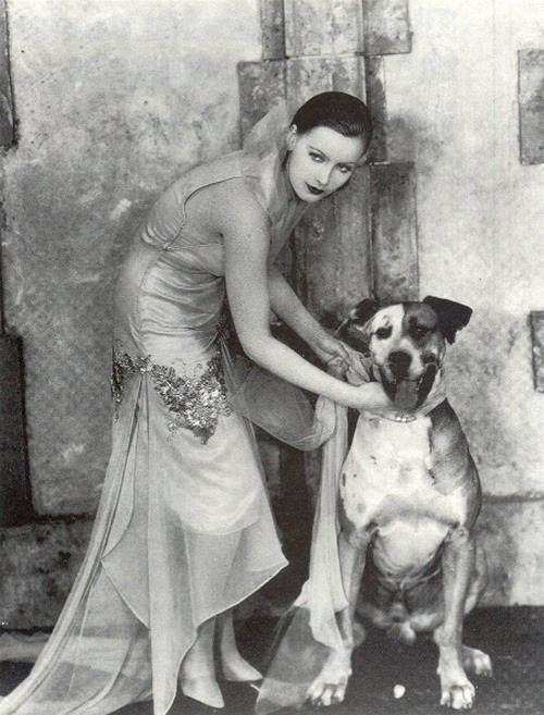 steroge:   Greta Garbo, with dog, in Flesh and the Devil (1926)