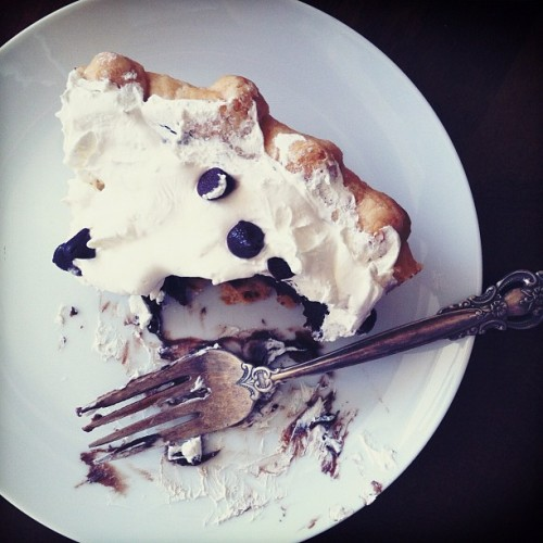 a not so secret goal of mine: to master chocolate pie. #sharefood #dessert #chocolate #pie #lifegoal #latergram  (Taken with Instagram)