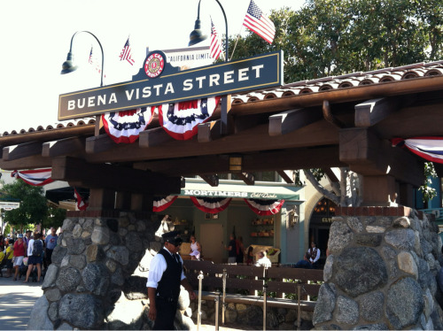 worldofcoler:  Americana on Buena Vista Street
