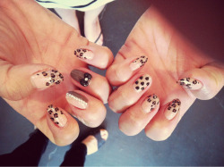 Girly leopard by LJ.