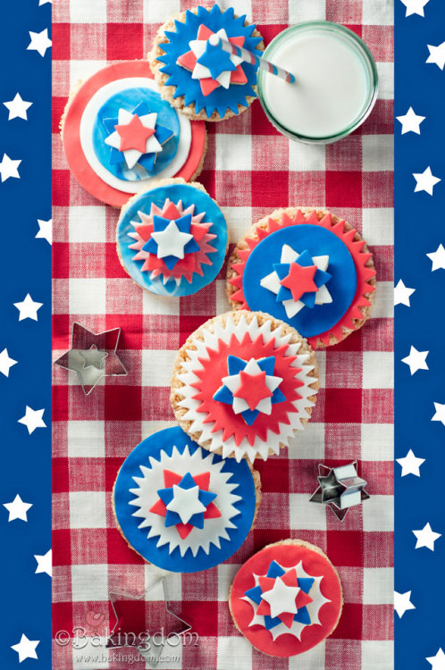 gastrogirl:  4th of july rice krispie treats.