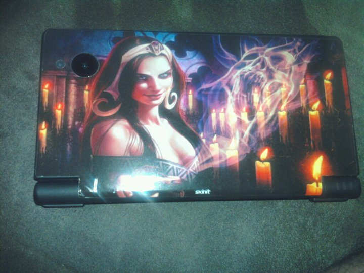frodo-swagins:  just to show my love for Liliana, this is the skin i got for my DSi  Wow, that is pretty sweet.