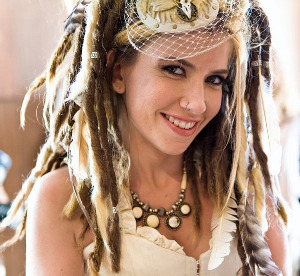 dreadlockheaven:  Beautiful Dreadlocked Bride on offbeatbride.com